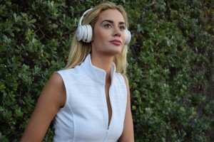 best buy, jbl, brittany mason, legs, model, headphones, noise canceling headphones, fashion, audio